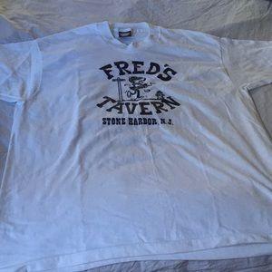 Fred's T shirt men's XL